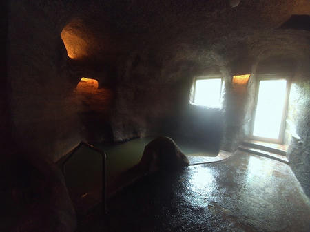 洞窟風呂・内湯