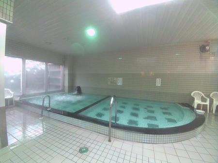 内湯の主浴槽
