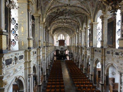 内部の教会