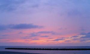 黄昏の海辺・・・