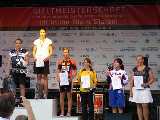 Podium_LadiesTop6.JPG