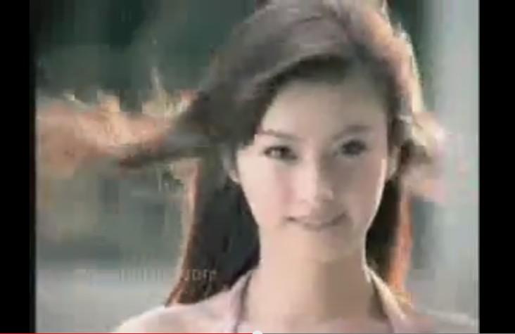 こんな可愛い子がニューハーフだと!?Nong Poy(ノン・ポーイ)のCM動画。