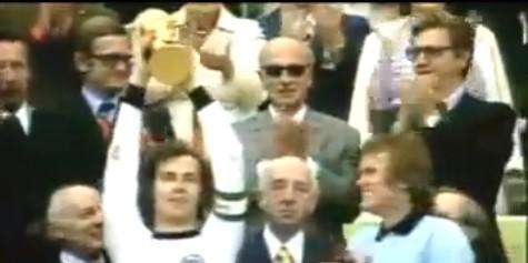 伝説のサッカー選手、ベッケンバウアーの凄さがわかる映像。本当にディフェンダーかよw