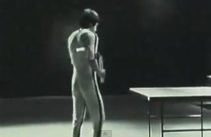 ノキアのCM。ブルース・リーが卓球