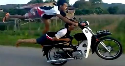 日本じゃできないバイクの乗り方