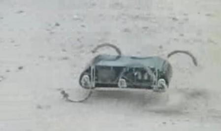 走るランドセル。水陸両用ロボ、RHexのダバダバ歩行。