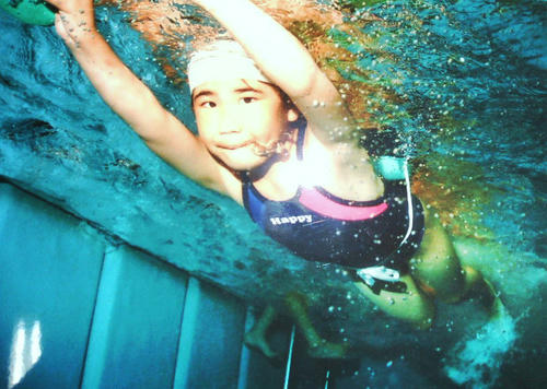 元気いっぱいに泳いでいます