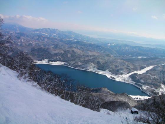9:53 コース10TOPからの青木湖とyanaba