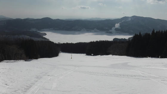 854 レイクダウンヒルコース と全面結氷した青木湖