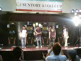 『SUNTORY KYOEI CUP』Aフライト、表彰式でのひろしくん&島ちょ。