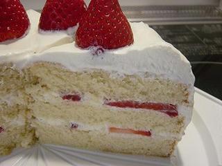 いちごのホールケーキ