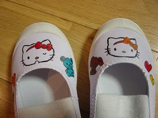 キティちゃん上靴1