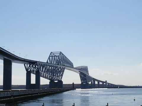 よくある方向からの東京ゲートブリッジの写真