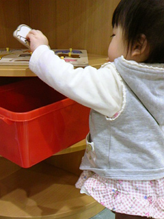 KIDOKIDOでちんまり遊ぶ赤子