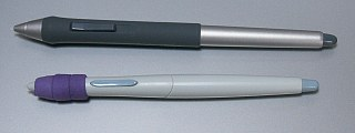 上がグリップペン、下が初代intuosのペン