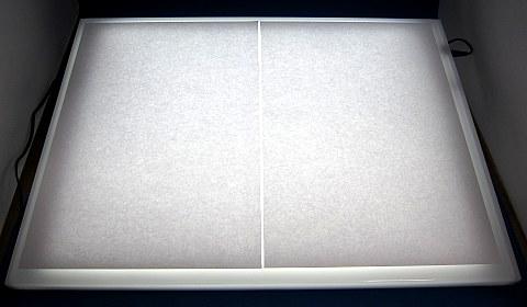 トレビュアーB4-100LEDトレース台03