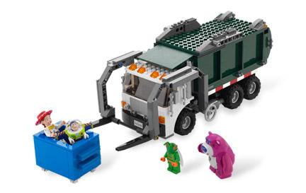 7599 ゴミ収集車からの脱出