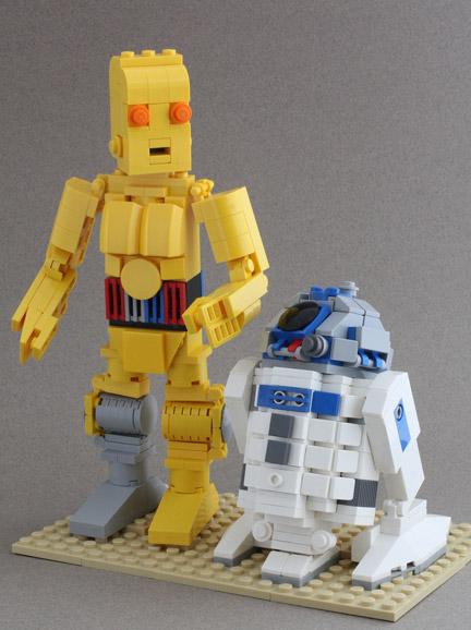 ミニフィグではないC-3POとR2-D2