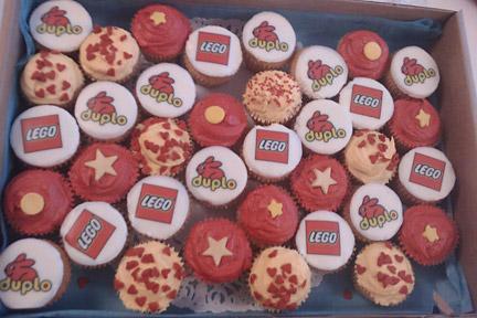 LEGOとduploのカップケーキ