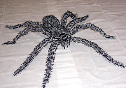 巨大グモ パッと見で若干引くぐらいな出来映えのクモです。いったいどれだけの量のギア... LEG