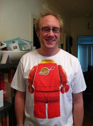 ミニフィグになりきれるミニフィグTシャツ