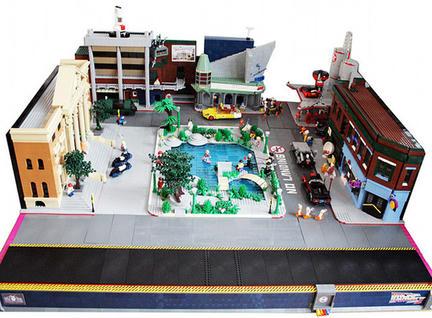 バック・トゥ・ザ・フューチャー2のセットをレゴで再現