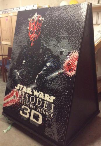 「スター・ウォーズ エピソード1 3D」のポスターをレゴで