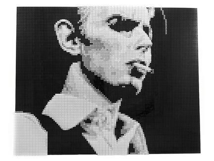LEGOで作られたデヴィッド・ボウイの肖像画1