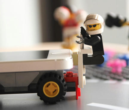 iPhoneをレゴの一部にするアタッチメント