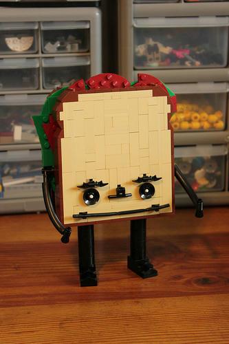 レゴ発のゆるキャラ?『パストラミ・サンドイッチ・マン』