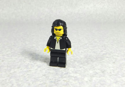LEGOでできた佐村河内守氏