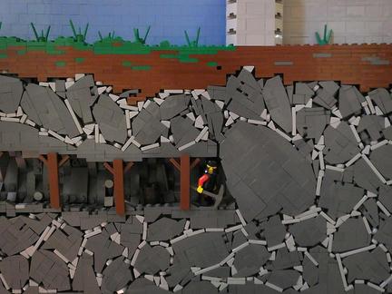 地下を掘り進む男