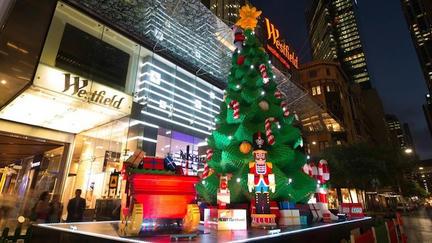 シドニーに巨大LEGOクリスマスツリー登場
