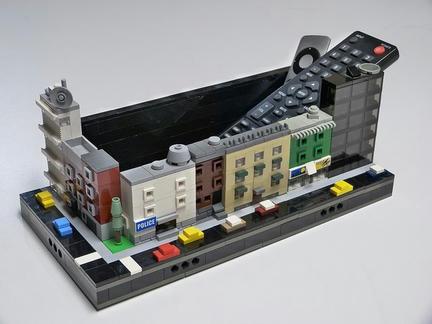 LEGOで作ったリモコン入れ