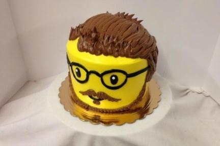 ミニフィグヘッドのケーキ