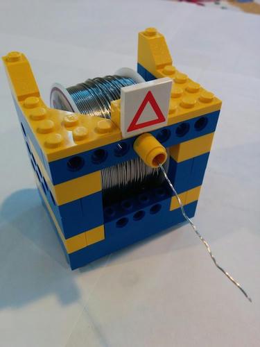 LEGOで作られた使う人が使ったらかなり便利そうな道具