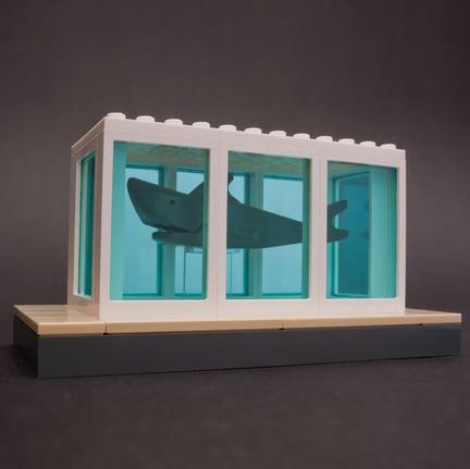 ダミアン・ハーストの『鮫』をLEGOで再現