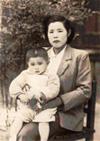 一歳の頃母と