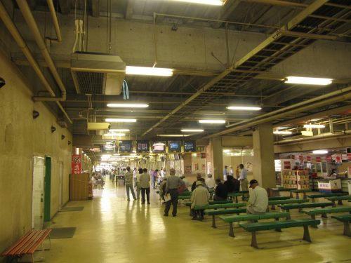 佐賀競馬場のスタンド