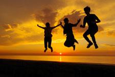 カリブ海の夕景にジャンプ
