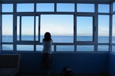 部屋からカリブ海を望む