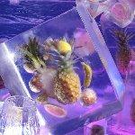 ロシアの氷の彫刻&イン・パイナップル