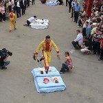 スペインの変な祭り・赤ちゃんジャンプ