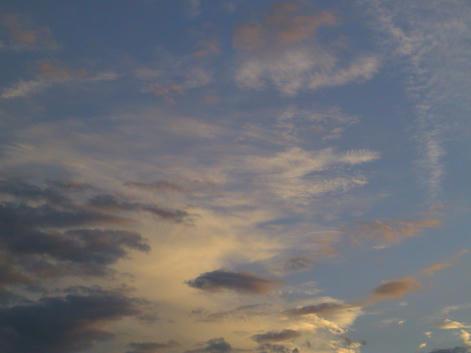わりときれいな夕やけ雲
