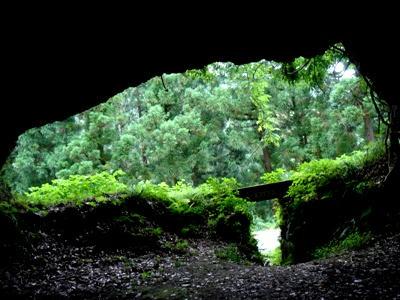 室谷洞窟01