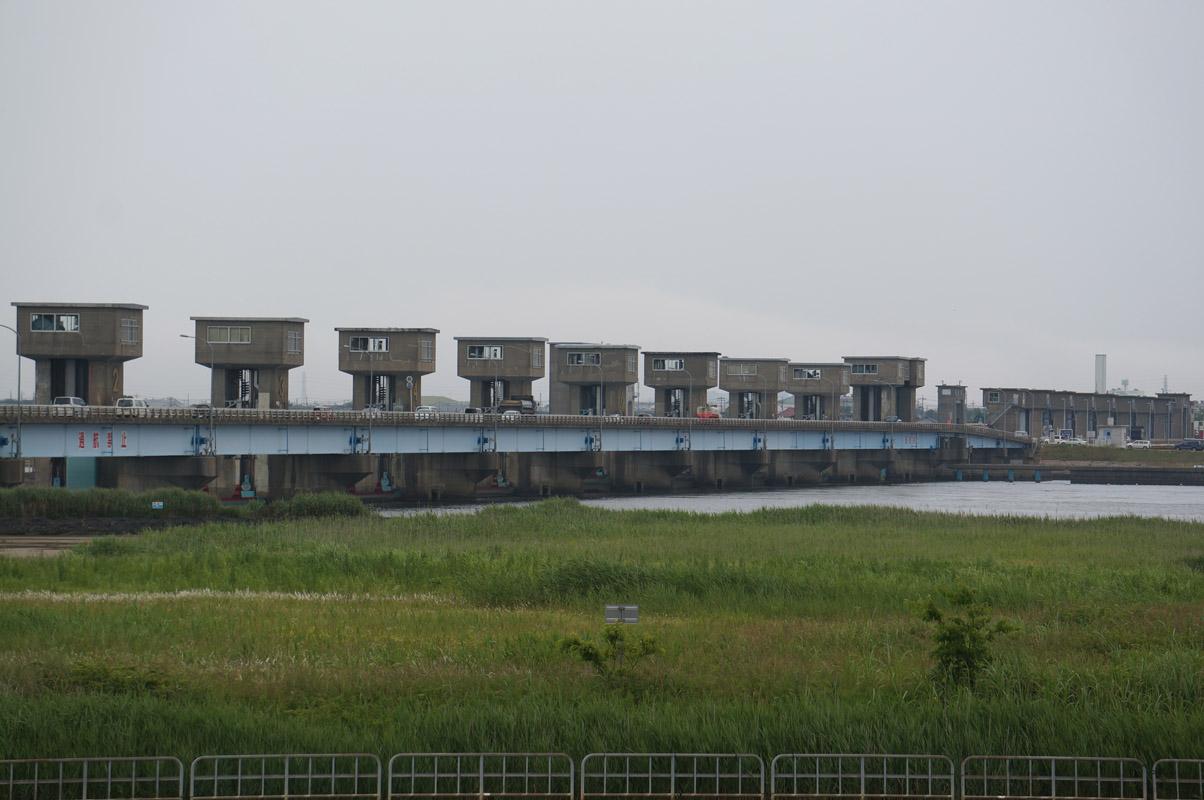 dam18_02.jpg