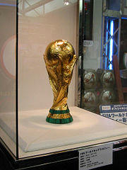 180px-FIFA_World_Cup_Trophy_2002_0103.jpg