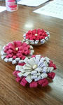 豚スウェード地で作るお花のコサージュ