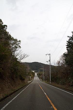 横波黒潮ラインの真っ直ぐな坂道