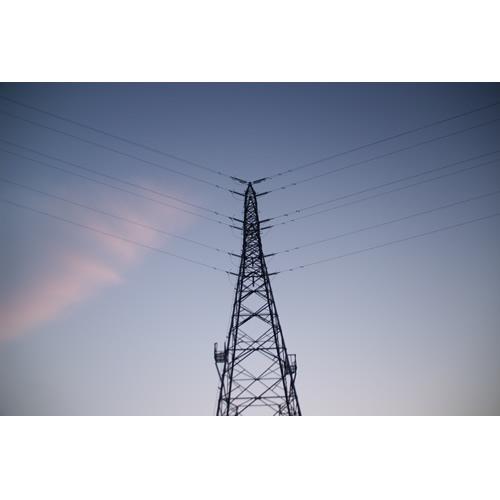 はじまりの空と鉄塔